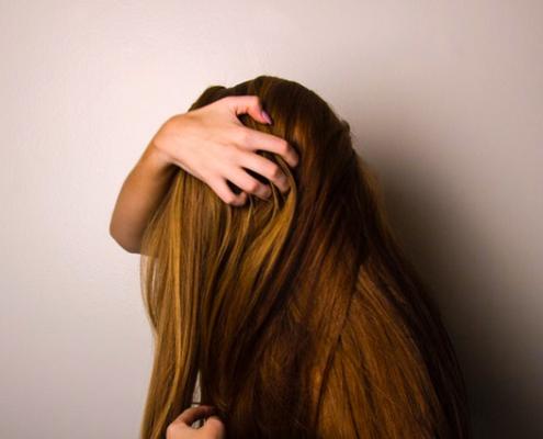 Les cheveux : signification psychosomatique