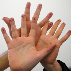 Mains et émotions : Entreprise, découvrez la sophrologie contre le stress et l'anxiété de vos équipes