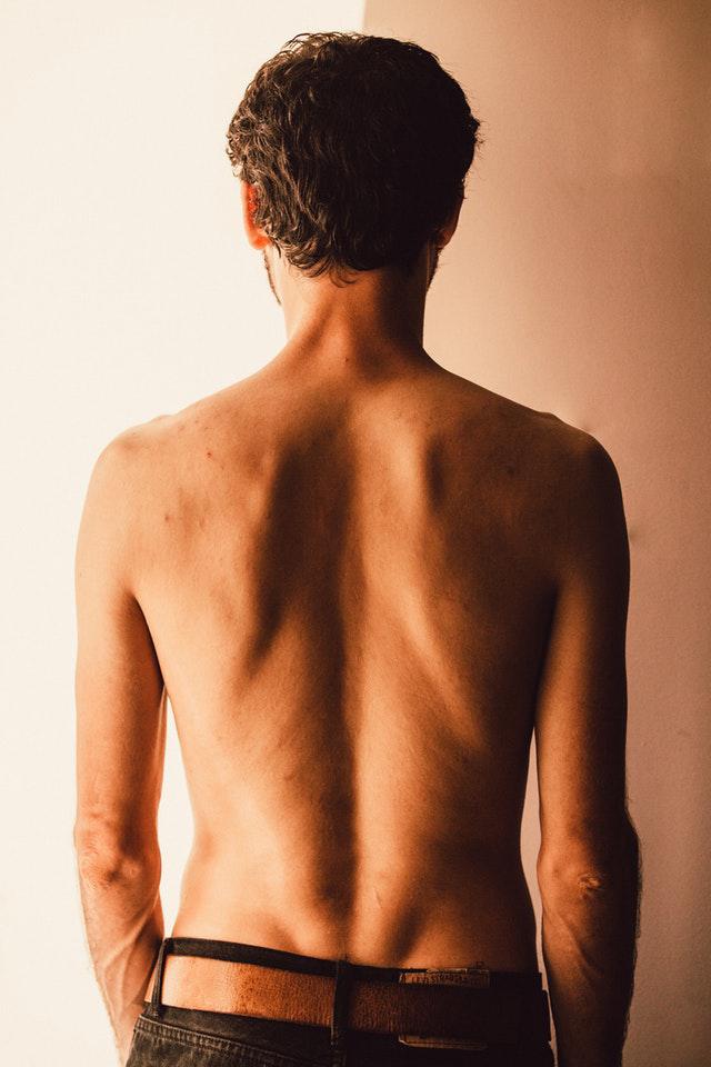 """Le dos : signification des symptômes du """"mal de dos"""""""